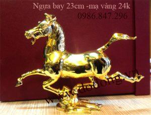 Ngựa đang chạy phong thủy mạ vàng