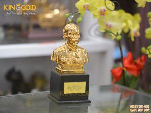 Đúc tượng Bác Hồ cỡ nhỏ mạ vàng 24k